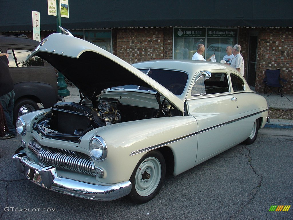 New car town redeem autos weblog for Code postal sedan